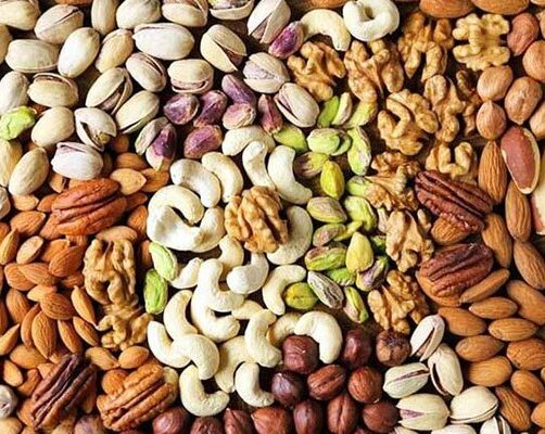 753963_2734941_Sale-of-costly-dry-fruits-rises-in-chilly-conditions_akhbar